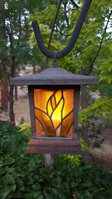Lampy ogrodowe i prace remontowe