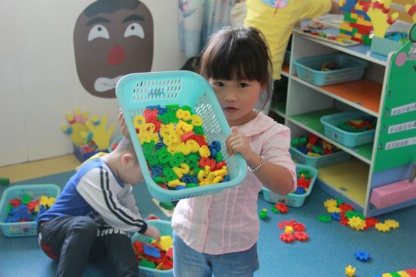 Czy pościel do przedszkola powinna być kolorowa?