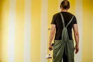 Fachowcy realizujący remonty mieszkań