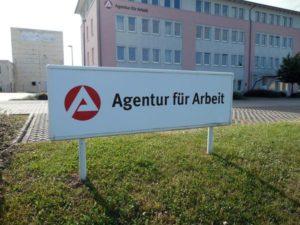 Idę do agencji pracy tymczasowej
